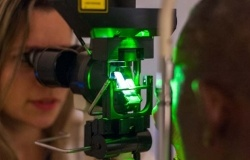 Retinal laser photocoagulation_3
