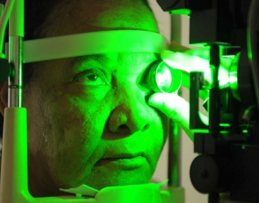 Retinal laser photocoagulation_2